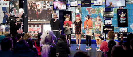 2NE1 performs for fans at New York's Times Square